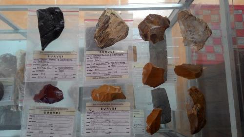 Koleksi artefak Situs Semedo